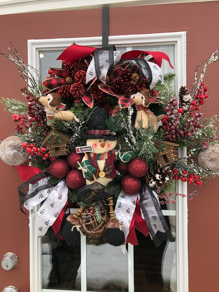 Redwood Living Apartment Neighborhoods DIY Wreath Made by Redwood Resident in Michigan