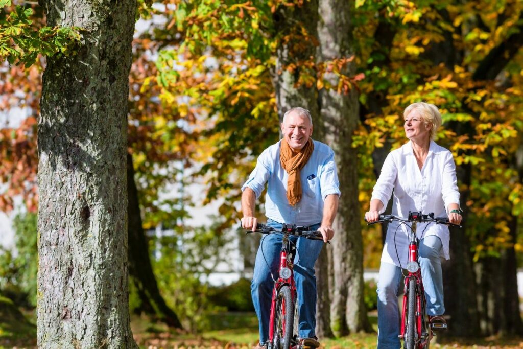 Maintain an active lifestyle with flexible maintenance free living at Redwood.