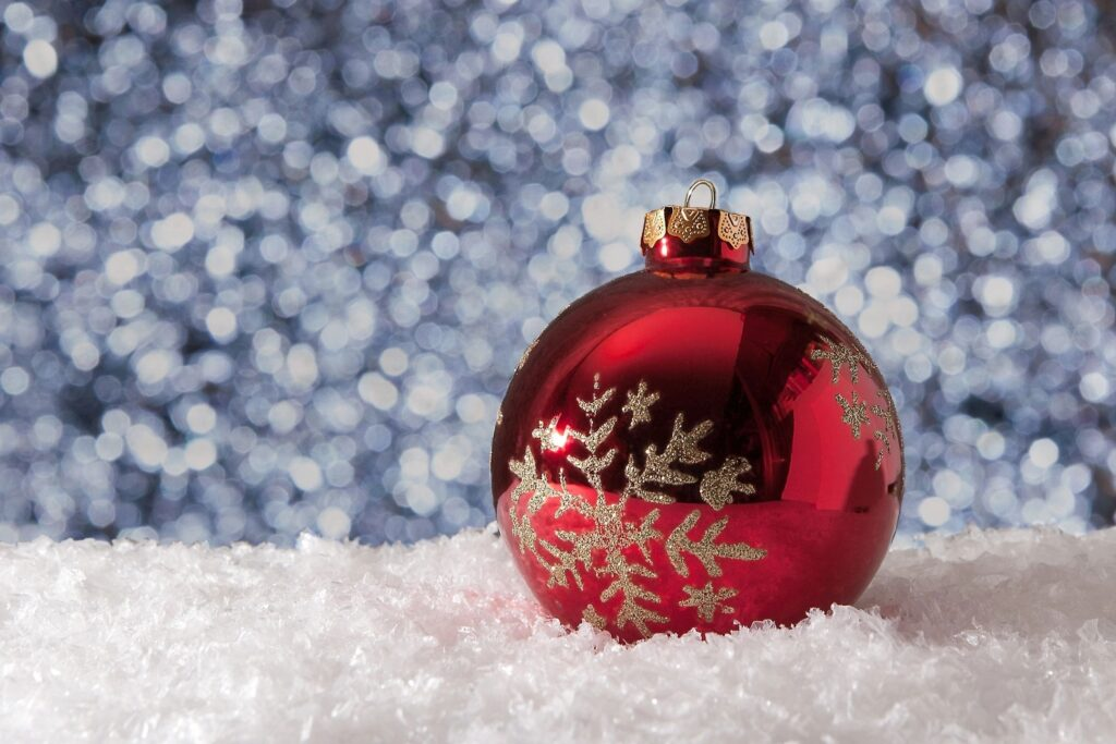 questions to ask your leasing agent about the rules for holiday outdoor decorations